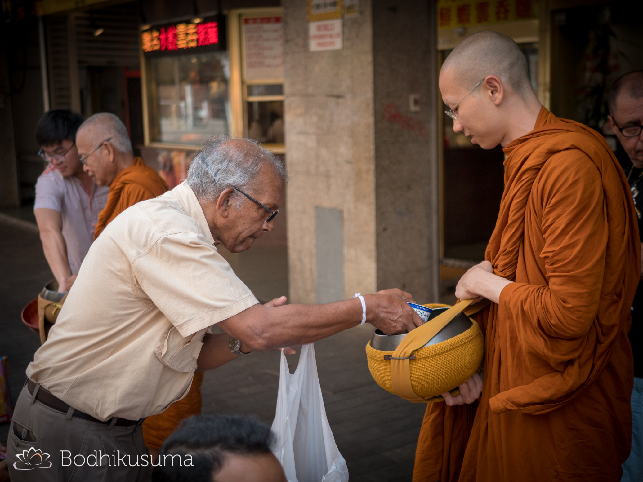 Alms Round in the City/Thaitown